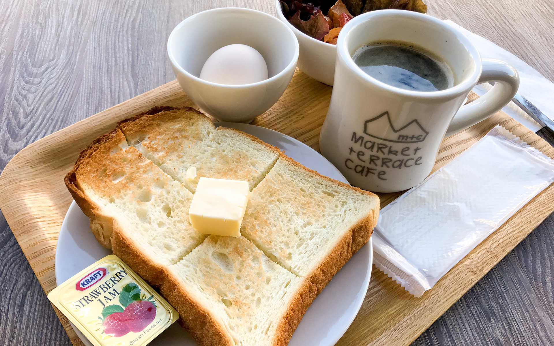YOKOHAMA GUESTHOUSE HACO. TATAMI. breakfast